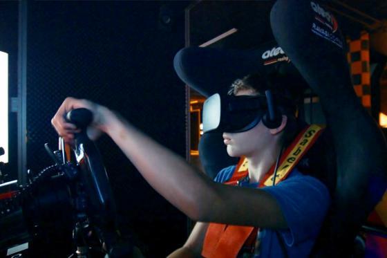 Simulateur de course auto en VR - 40 minutes de plaisir avec réalité virtuelle en option  [article_picture_small]