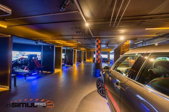 Simulateur de course auto en VR - 40 minutes de plaisir avec réalité virtuelle en option 2 [article_picture_small]