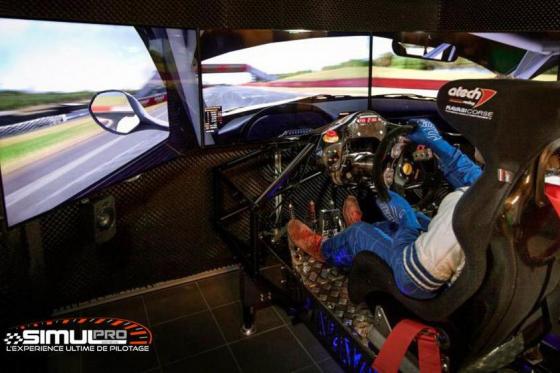 Simulateur de course auto en VR - 40 minutes de plaisir avec réalité virtuelle en option 5 [article_picture_small]