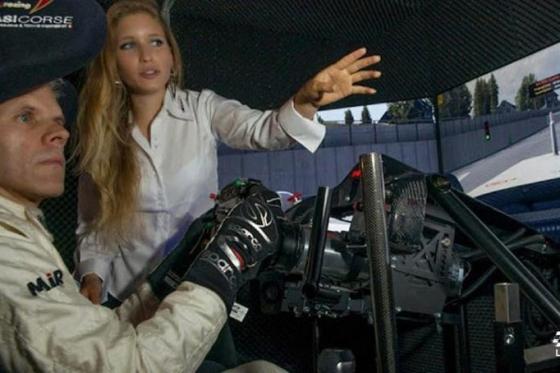 Simulateur de course auto en VR - 1 heure de simulation avec réalité virtuelle en option 6 [article_picture_small]