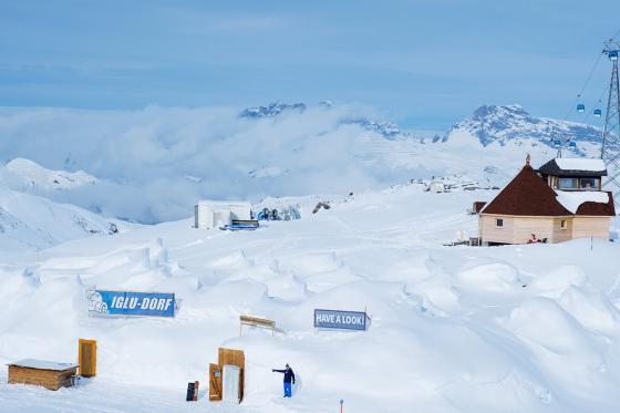 Iglu-Nacht & Gleitschirmfliegen - für 2 Personen in Davos 2 [article_picture_small]