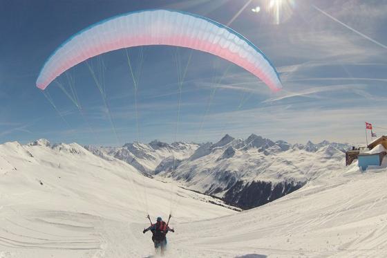 Iglu-Nacht & Gleitschirmfliegen - für 2 Personen in Davos 8 [article_picture_small]