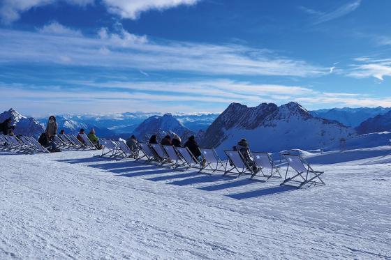 Iglu-Nacht & Gleitschirmfliegen - für 2 Personen in Davos 12 [article_picture_small]