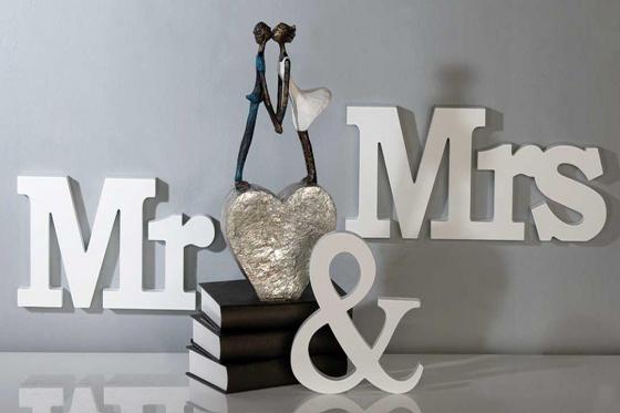 schriftzug mr mrs. Black Bedroom Furniture Sets. Home Design Ideas