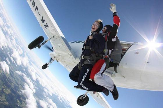 Saut en parachute à Neudorf - Durant la semaine - du lundi au vendredi  [article_picture_small]