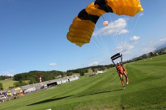 Fallschirm Erstabsprung - Schnupperkurs Solo-Sprung Freitag 2 [article_picture_small]