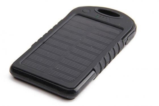 Solar Powerbank Schwarz - für Smartphone und USB-Geräte 1