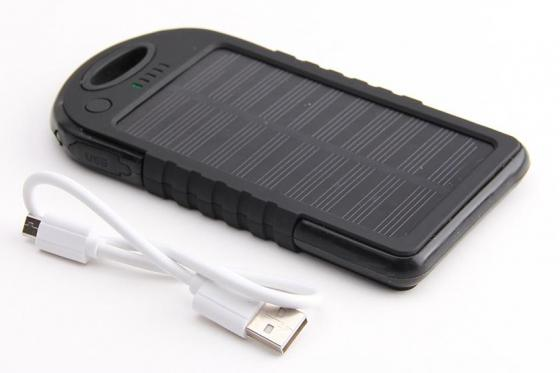 Solar Powerbank Schwarz - für Smartphone und USB-Geräte 2