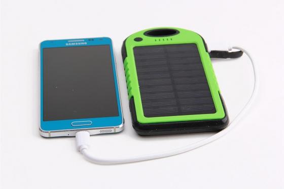 Chargeur solaire vert - Pour Smartphone et accessoires USB 2