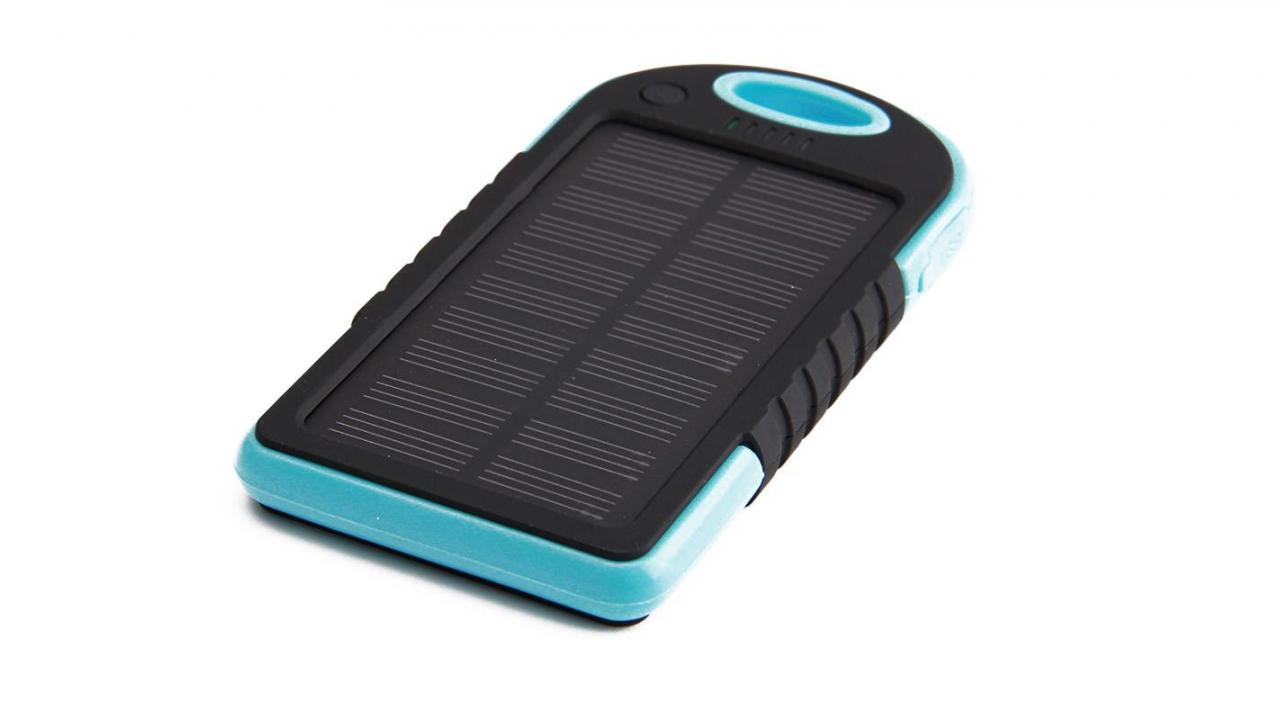 chargeur solaire bleu pour smartphone et accessoires usb. Black Bedroom Furniture Sets. Home Design Ideas