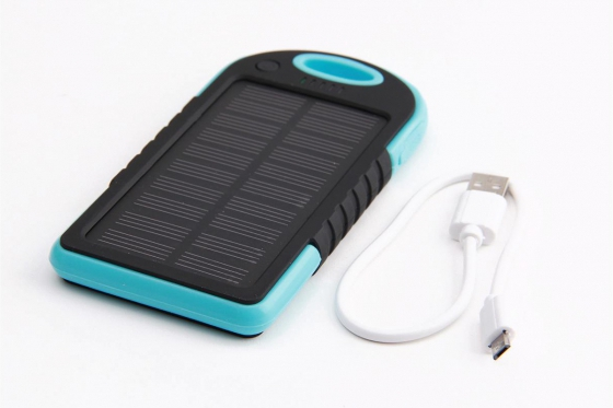 Solar Powerbank Blau - für Smartphone und USB-Geräte 1