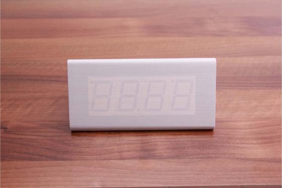 Réveil LED en bois  - The Temple blanc 2