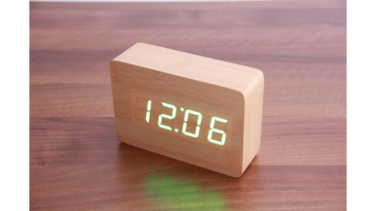 wooden led wecker the player. Black Bedroom Furniture Sets. Home Design Ideas