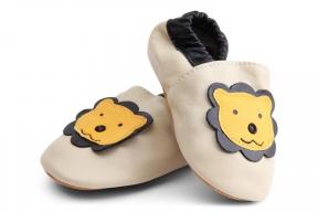 270aabfa55add Chaussures bébé Lion King