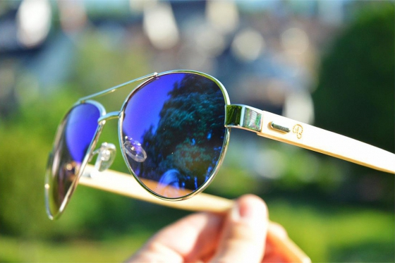 The Light Aviator - Green Mirror 2
