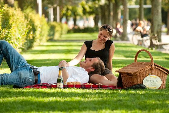 Gourmet-Picknickkorb für 2 - romantische Stunden am Zürichsee 3 [article_picture_small]