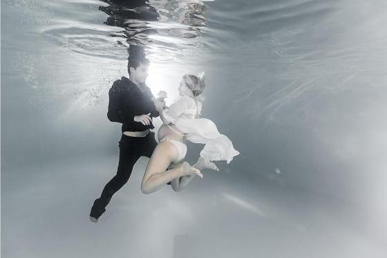 Babybauch Fotoshooting - für schöne Unterwasser Fotos 1 [article_picture_small]