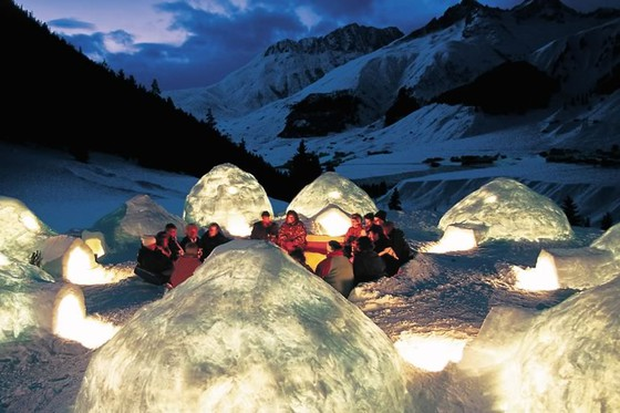 Construire un igloo - et y passer la nuit  [article_picture_small]