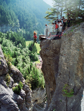Canyon Jump - Grindelwald 1 [article_picture_small]