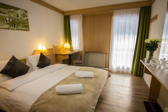 Ferien im Hotel Bristol  - Golf Gaudi in Saas Fee für 2 6 [article_picture_small]