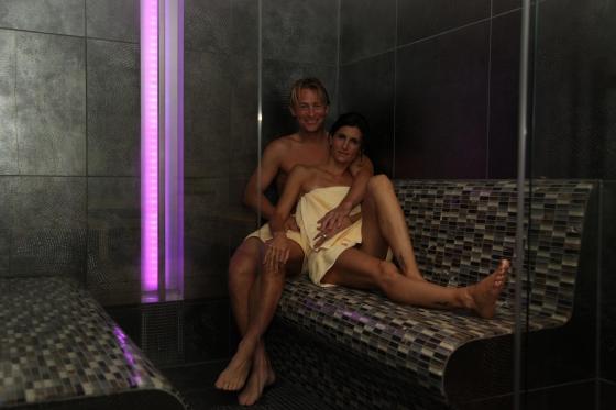 suite spa priv e pour deux quelques heures romantiques cadeaux24. Black Bedroom Furniture Sets. Home Design Ideas