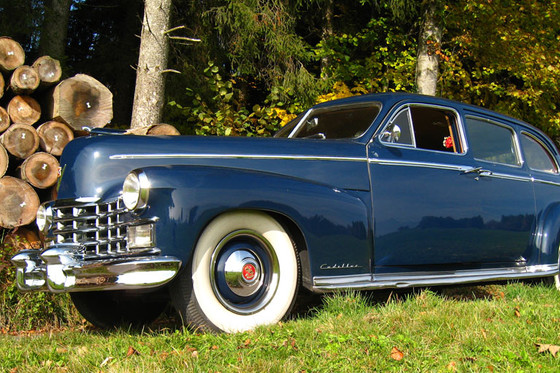 Oldtimer mit Fahrer - Cadillac Fleetwood Series 75  [article_picture_small]