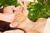 Gesichtsbehandlung - mit Massage und Cüpli