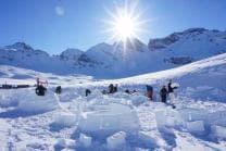 Übernachtung im Iglu - mit Schneeschuhwanderung im Fackelschein und Schlittelplausch